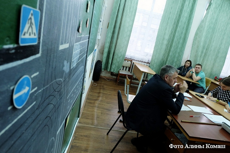 Русских водителей посоветовали поделить на приверженцев и экспертов