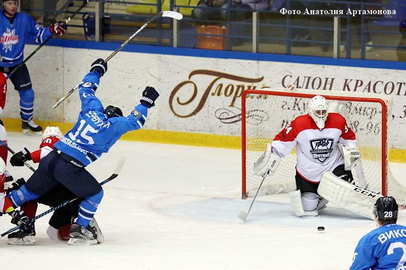 Курганская команда одержала победу в рамках серии домашних встреч в чемпионате Высшей хоккейной лиги