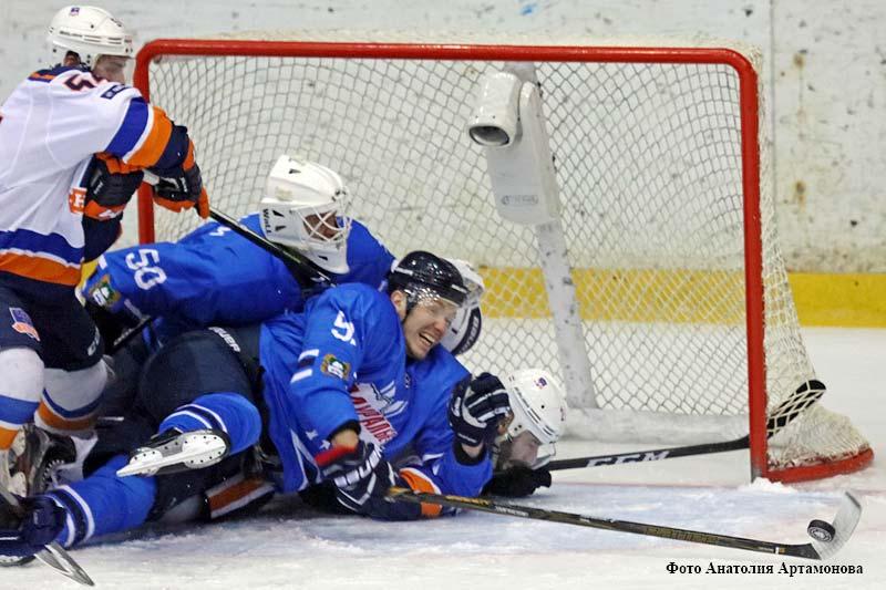 """Команда """"Зауралье"""" одержала шестую подряд победу в чемпионате Высшей хоккейной лиги – 2017/2018."""