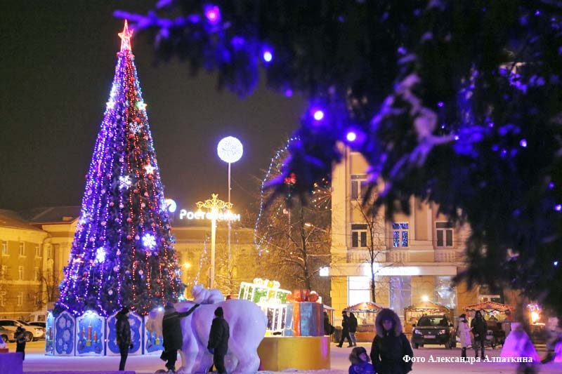 Новогодняя площадь в Кургане.