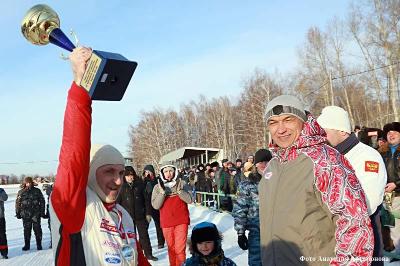 Этап кубка Урала и Сибири по зимним трековым гонкам в Кургане.