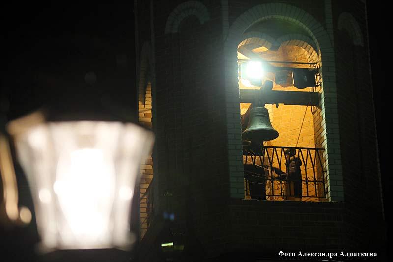 В курганских храмах прошли праздничные мероприятия, посвящённые празднованию Рождества Христова.