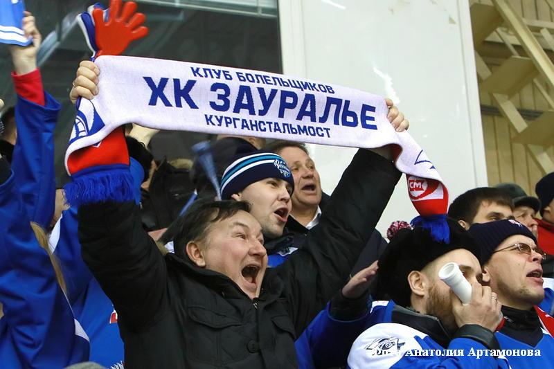 """ХК """"Зауралье"""" выиграл оба домашних матча на старте 1/8 финала плей-офф чемпионата Высшей хоккейной лиги."""