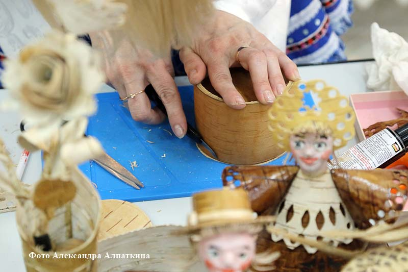 """Выставка мастеров декоративно-прикладного искусства """"Голоса ремёсел""""."""