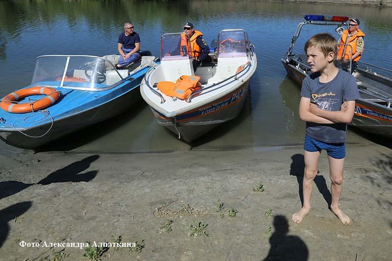 Сотрудники МЧС провели рейд по местам отдыха курганцев.
