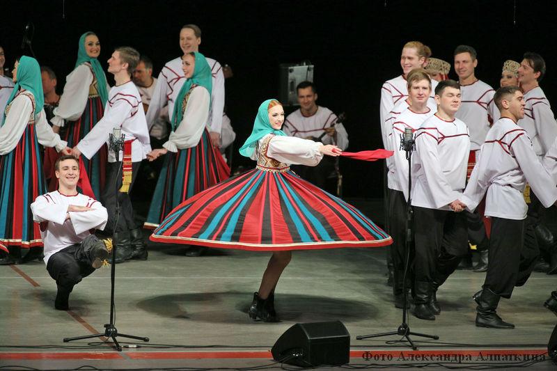 Выступление русского народного хора имени М. Е. Пятницкого