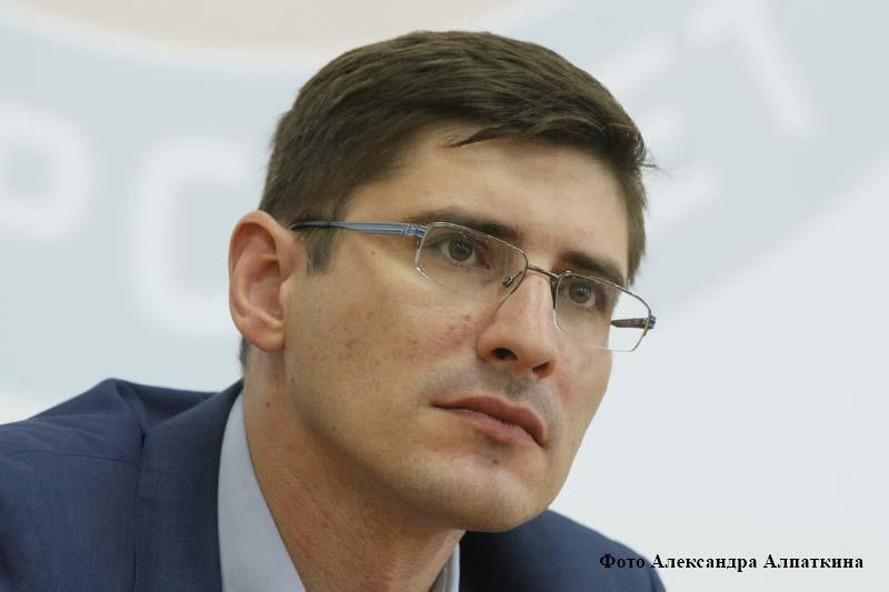 Андрей Саносян