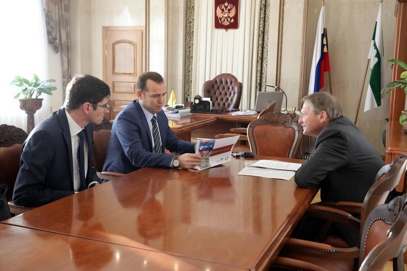 Врио губернатора Зауралья встретился с российским бизнес-омбудсменом