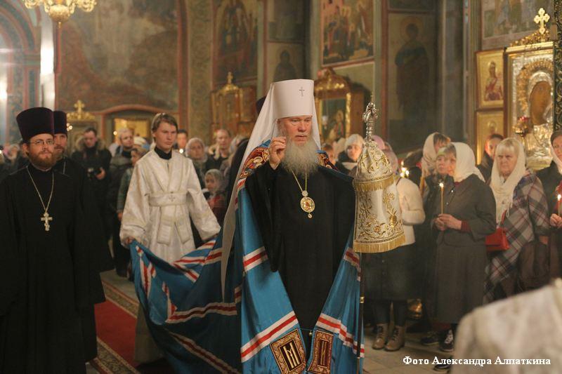 Рождественская служба в соборе Александра Невского