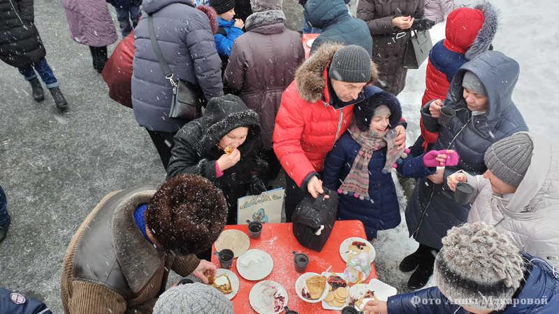 Курганцы провожают зиму на празднике Масленицы