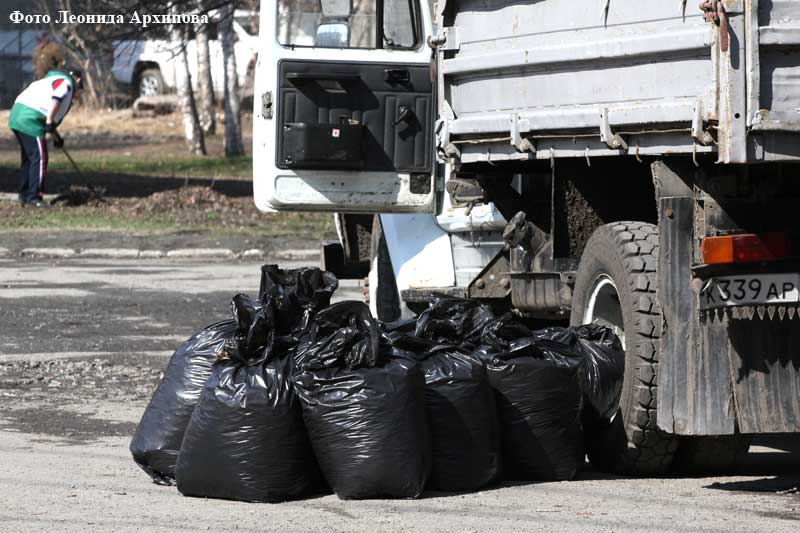 В Кургане продолжается санитарная очистка.
