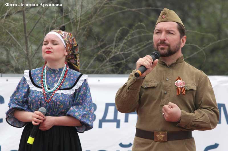 ретро-поезд с ветеранами РЖД.