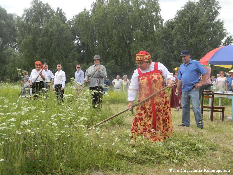 Состоялась восьмая Крестовско-Ивановская ярмарка