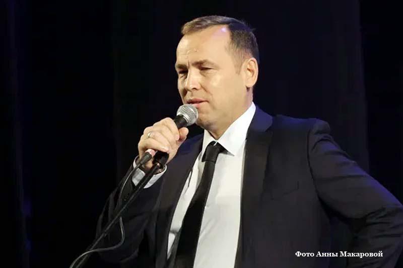 Врио губернатора Курганской области Вадим Шумков поздравил строителей с праздником.