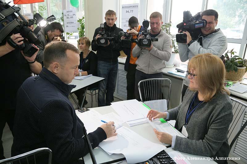 На участке № 864 проголосовал врио губернатора Курганской области Вадим Шумков.