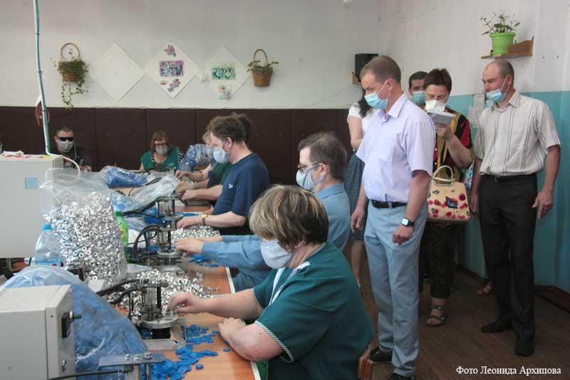 Производство, в котором трудятся курганцы с ограниченными возможностями здоровья.
