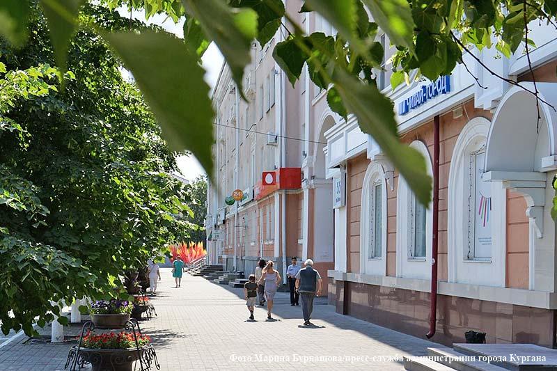 Праздничное оформление города к Дню России.