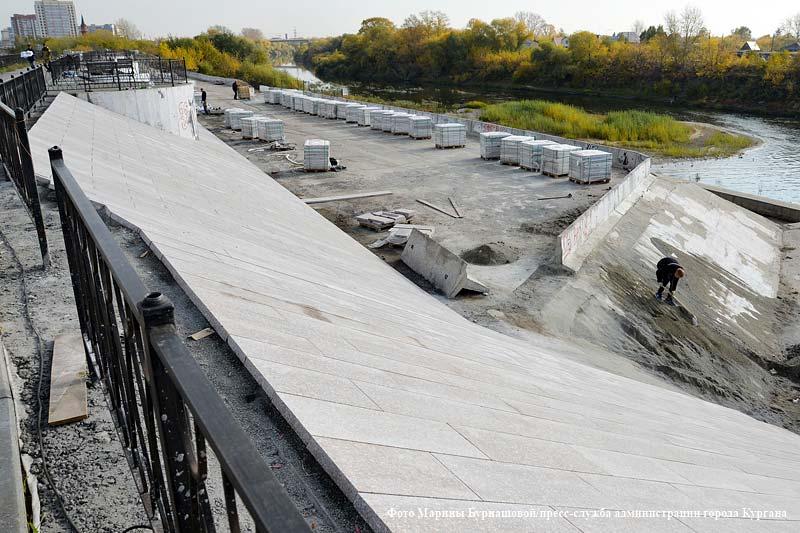 Набережную реки Тобол в городе Кургане благоустраивают
