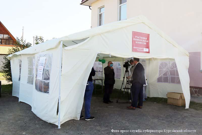 В Курганской области работают избирательные участки по выборам депутатов в областную Думу.
