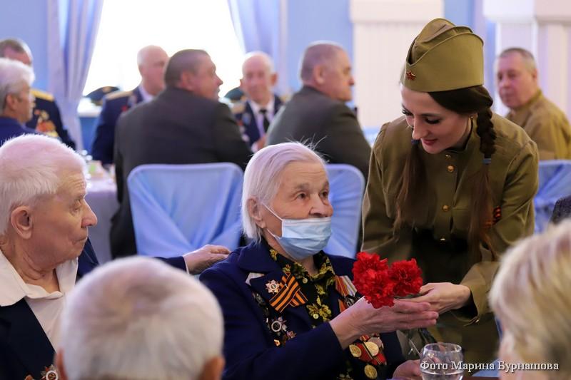 В Кургане состоялся торжественный прием для ветеранов